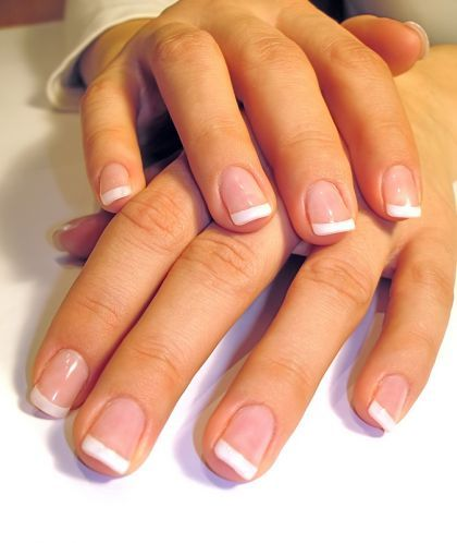 My faveorite natural french manicure. I want my nails to grow grow ...