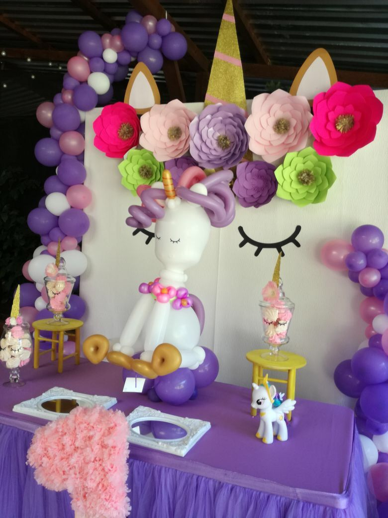 Pin By Pms On Unicorn Party Unicorn Theme Party Unicorn Party Decorations Rainbow Unicorn Birthday