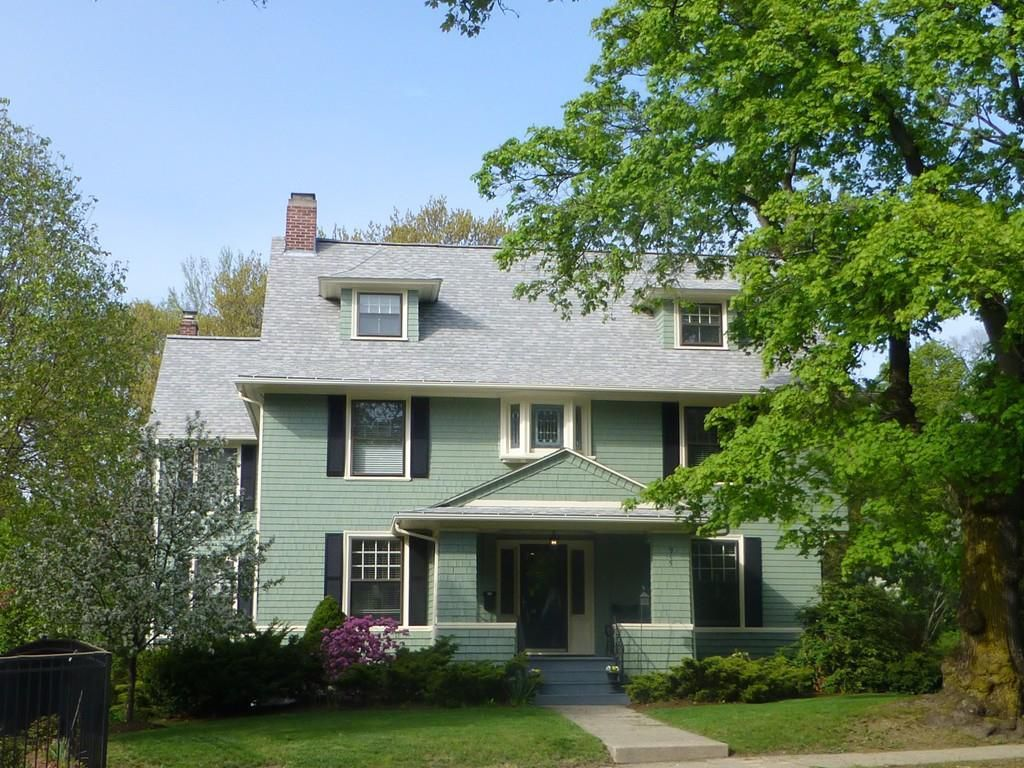 915 Pleasant St Worcester Ma 01602 Mls 72303334 Zillow Old Houses House Interior And Exterior