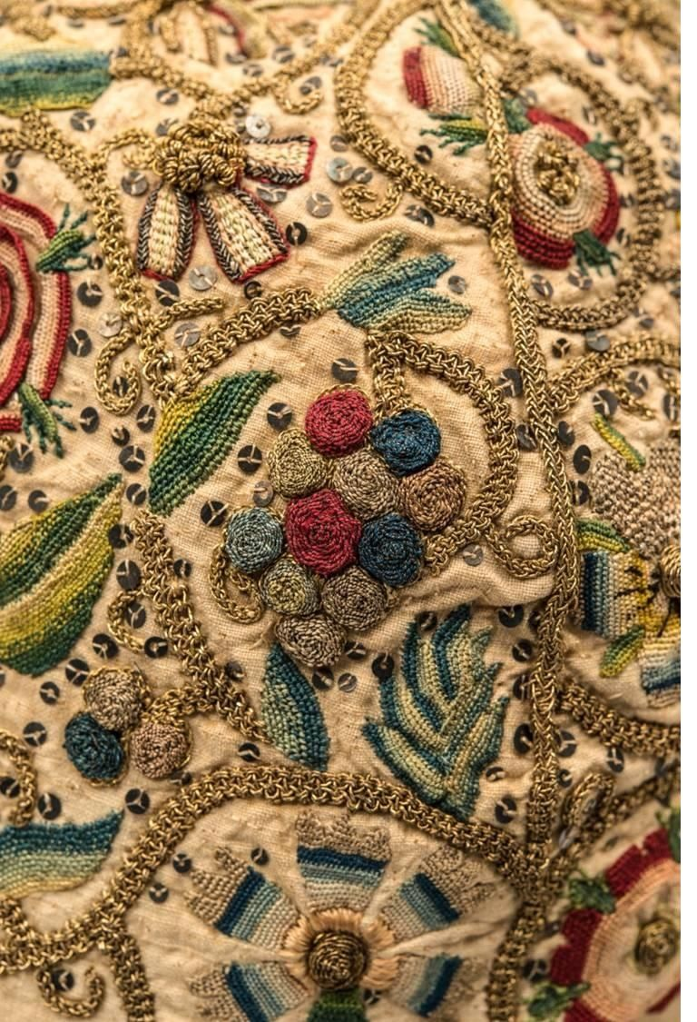 via Fashion Museum, Bath. @Fashion_Museum  Detail shots of one our earliest treasures - embroidered man's nightcap, ca. 1600-1620