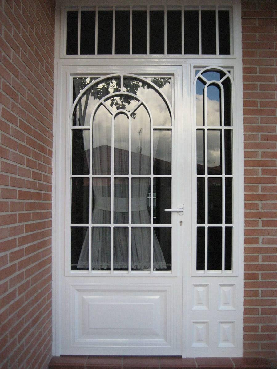 Puertas de hierro porches proyectos que intentar en 2019 - Puertas blancas exterior ...