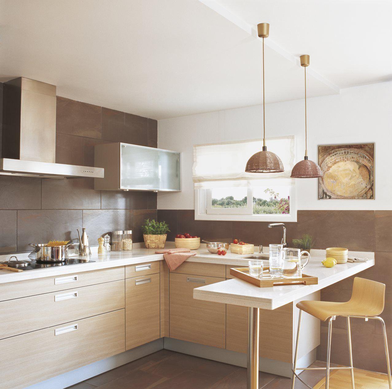 Con barra de desayuno decoracion pinterest - Cocinas en u pequenas ...