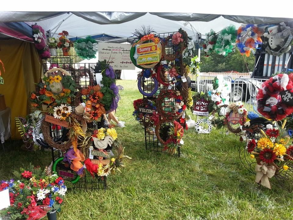 14++ Craft show display ideas for wreaths ideas in 2021