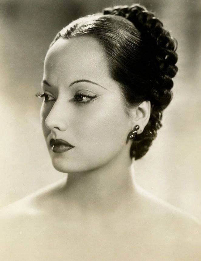 Merle Oberon - Actress and Hollywood Legend - 40-Trading Cards Set