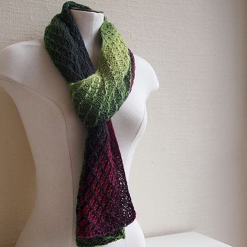 Great stitch pattern (knit) for color shifting yarn! Ravelry ...