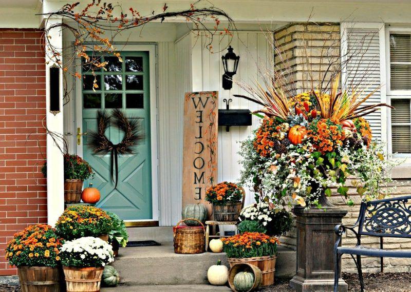 Herbstdeko Fur Den Hauseingang 25 Eindrucksvolle Bastelideen Veranda Dekoration Herbst Dekor Herbst Veranda Dekorationen
