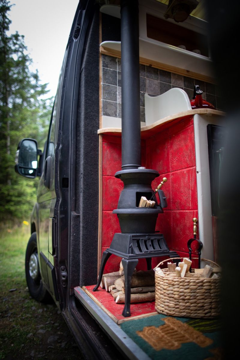 ~ Woodburner in Tala - Quirky Campers Rental ~