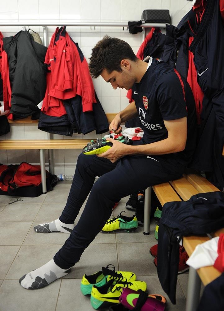 Under-19 player Jon Toral prepares for a youth match against Borussia Dortmund, November 6, 2013.