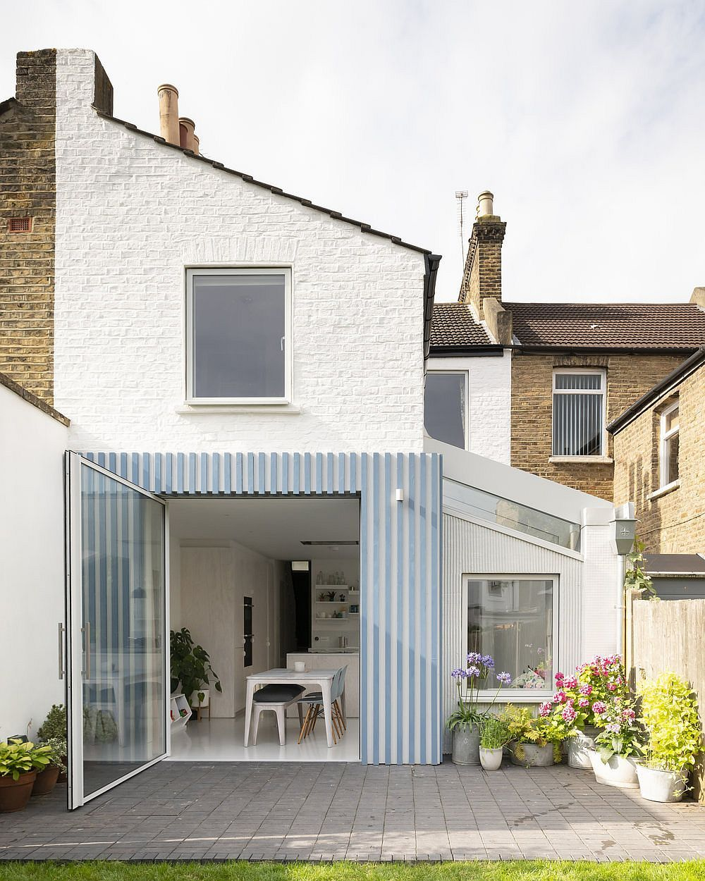Stylish Striped Rear Extension Of Victorian Terrace House Feels Cheerful And Modern Victorian Terrace House House Extension Design Victorian Terrace
