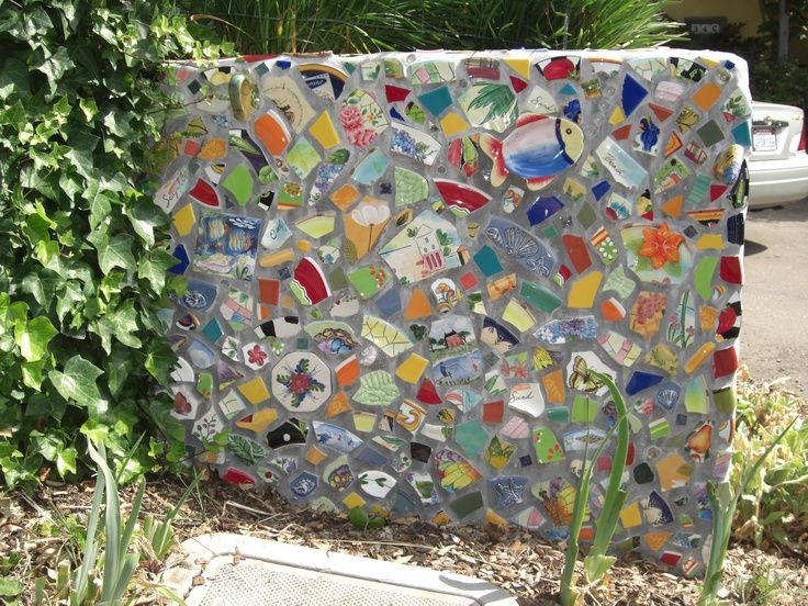 Mosaic Patio Wall Mosaic Wall In Garden Mosaic Wall Mosaic Garden Mosaic Tiles Crafts