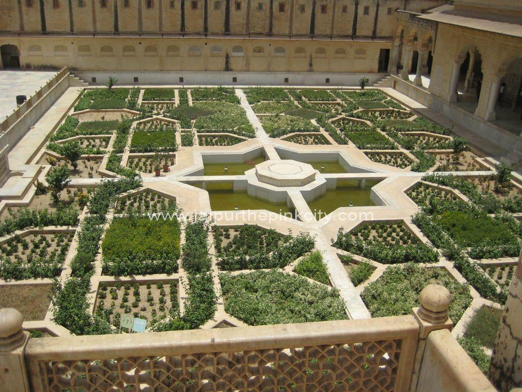 Amber Palace Garden Jaipur India With Images Palace Garden