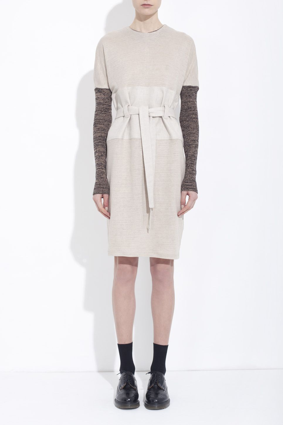 Sand-coloured organic linen jersey-knit dress, marled knit sleeves - honest by. Bruno Pieters / Vegan / Organic/ Skin friendly / European