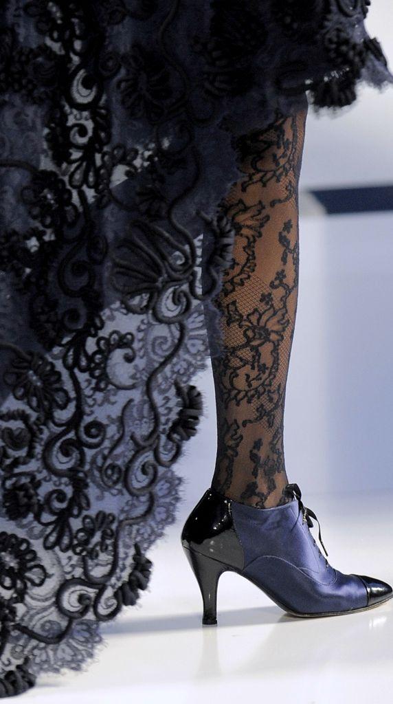 ● Chanel ● Seguici diventa nostra fan ed entrerai nel mondo fantastico del Glamour  Shoe shoesscarpe fashion chic luxury street style moda donna