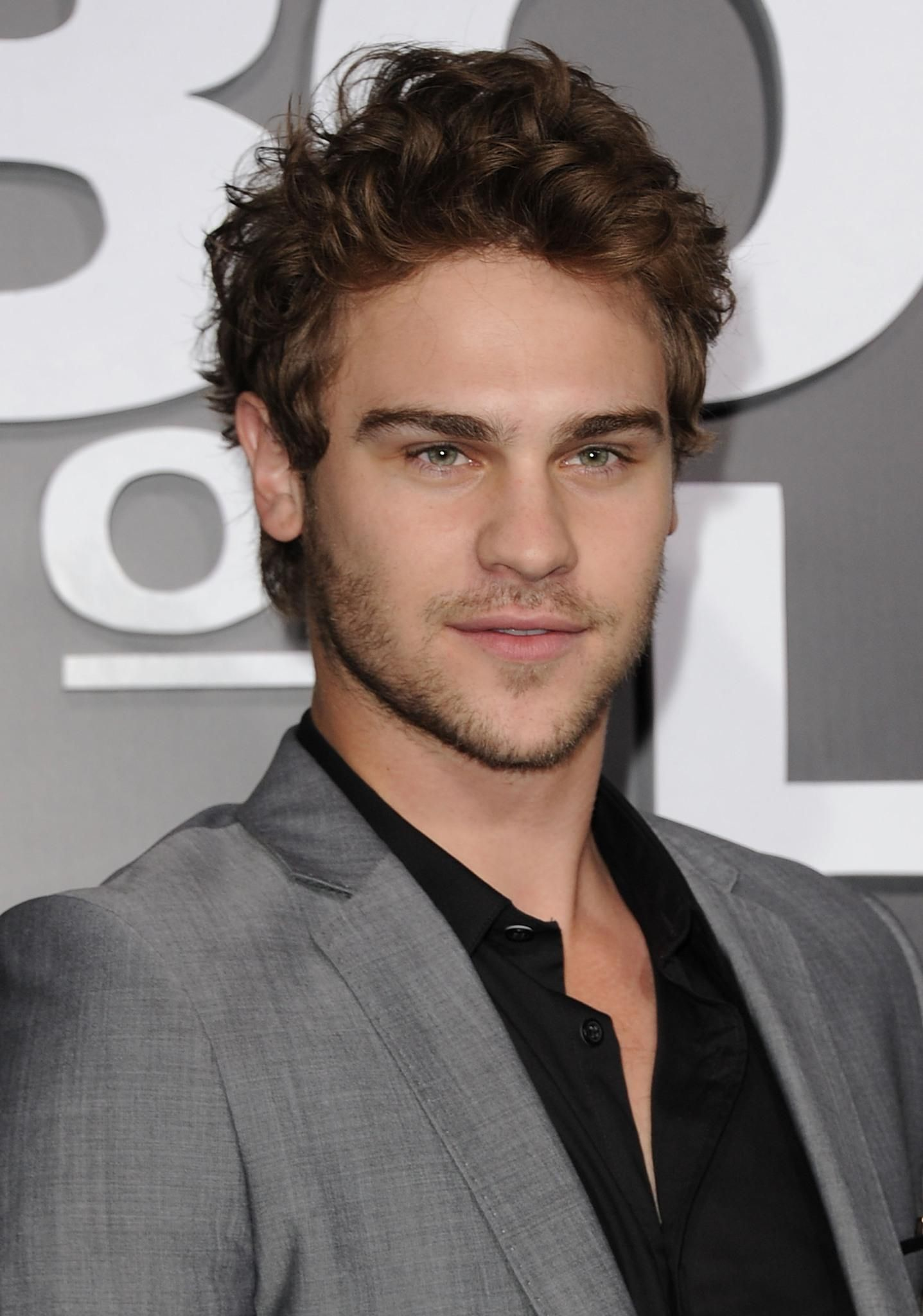 grey damon images | Damon, Celebrity pictures, American actors