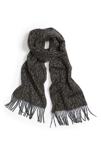 Normalmente no soy fan del animal print, pero esta bufanda realmente me gustó