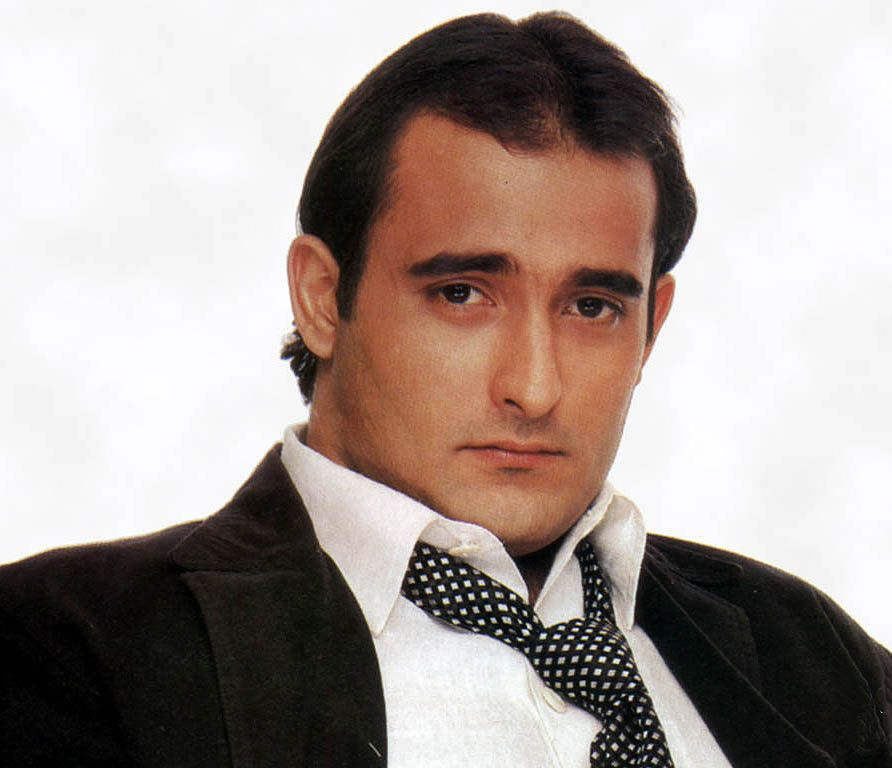 Akshaye Khanna Hairstyle And Haircut Collection For Most Popular Men S Haircuts Popular Mens Haircuts Celebrity Hairstyles Haircuts For Men