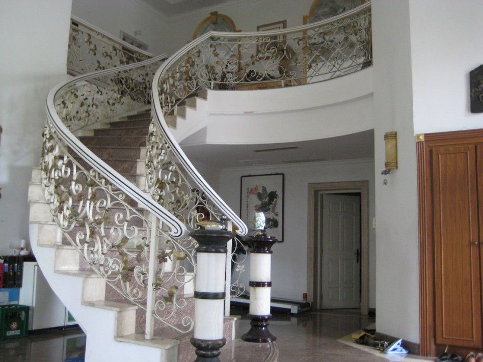 Best Spiral Staircase Design Stair Elegant Spiral Staircase Decoration With White Iron Railing 400 x 300