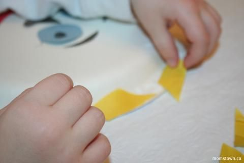 Paper plate faces | momstown arts and crafts & Paper plate faces | momstown arts and crafts | Art Activities ...