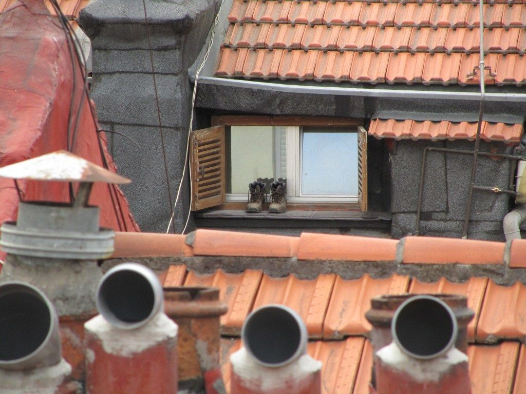 Boots & roofs