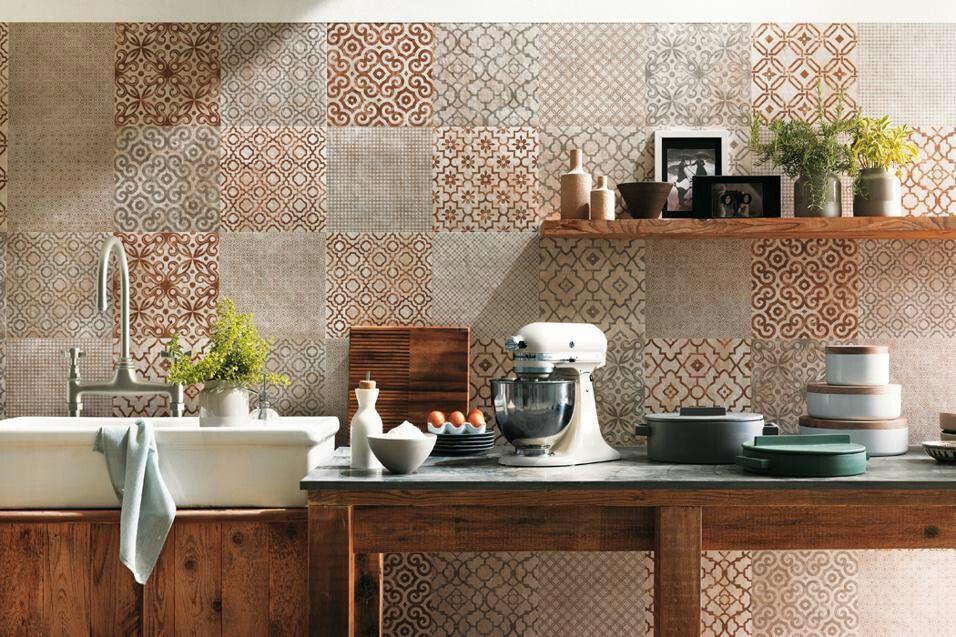 Cucina country. Combinazione legno invecchiato e piastrelle | Home ...