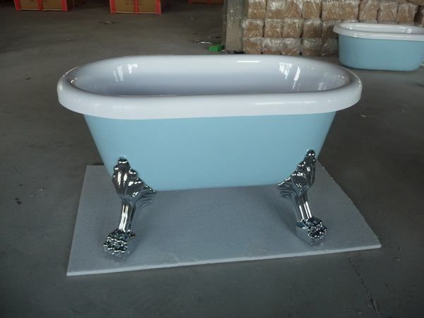 clawfoot baby bath tub. Baby clawfoot tub is a newly created acrylic bathtub from GreenGoods  The small baby an antique portable with classic double ended Small Clawfoot Tub Projects to Try Pinterest