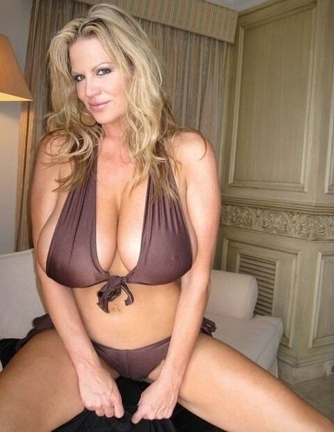 Over 1 MILLION horny MILFS on this exclusive MILF dating site waiting for a  good fuck