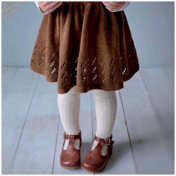 Matheas kjole – Hoppestrikk