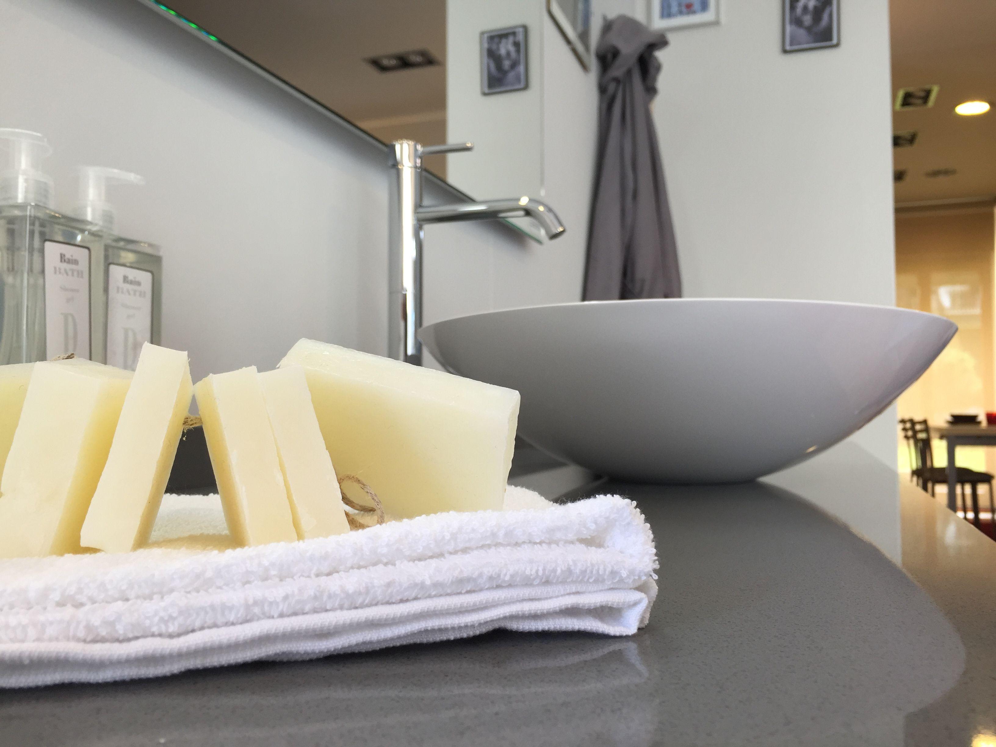 Bagno #scavolini modello #rivo : anta laccata lucida colore bianco