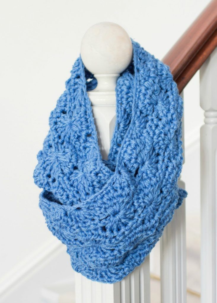 Chunky Infinity Scarf - Free Crochet Pattern | Chal