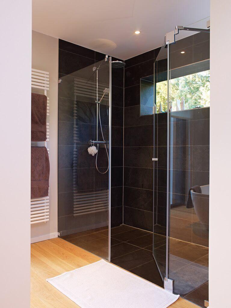 Badezimmer design dusche badezimmer bodengleiche dusche fliesen schwarz  interior design