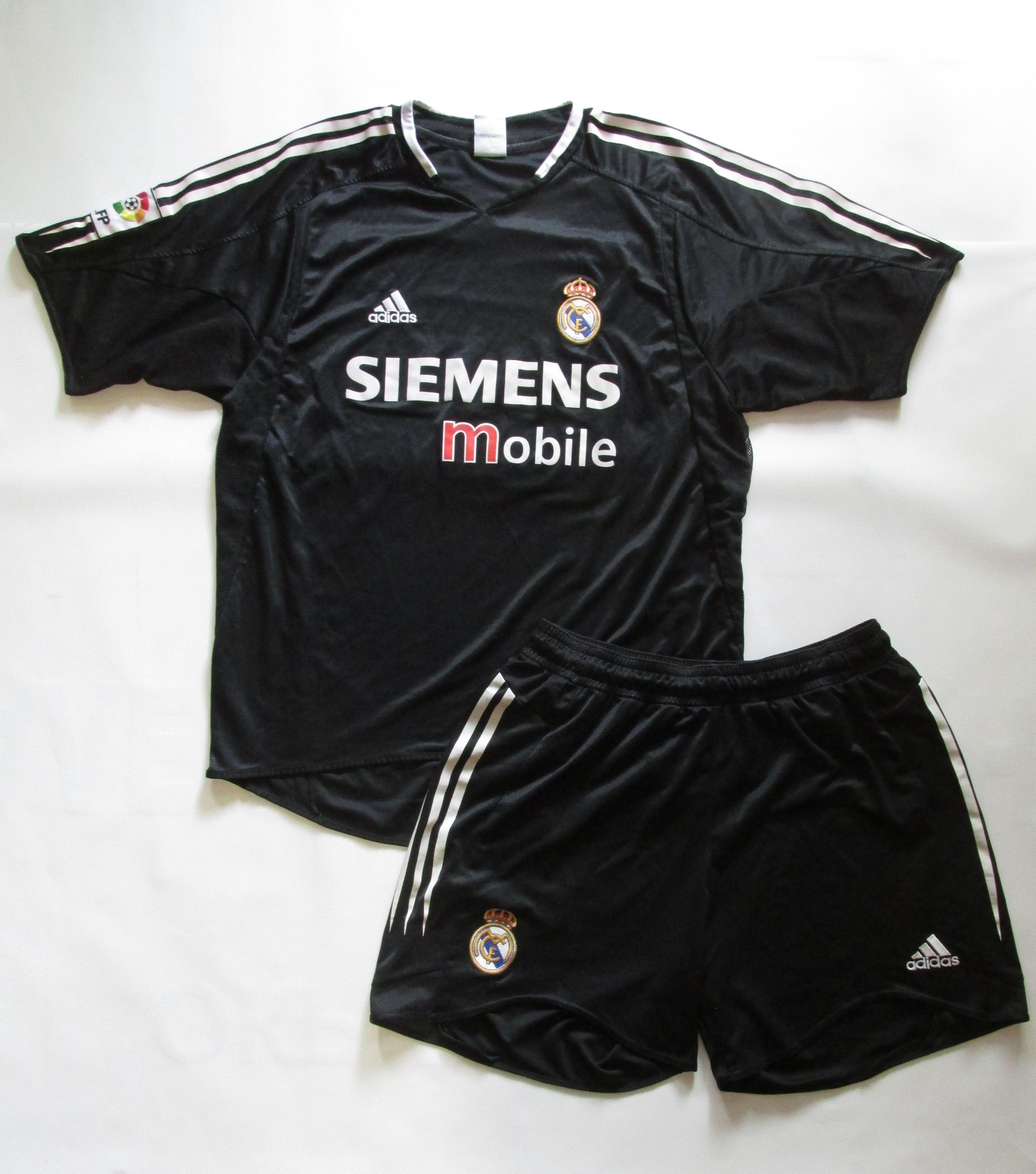 Real Madrid 2004 2005 Away Football Shirt Shorts By Adidas Rmfc Madridista Vintage Footballkit Spain Laliga L Vintage Football Shirts Shirts Football Shirts