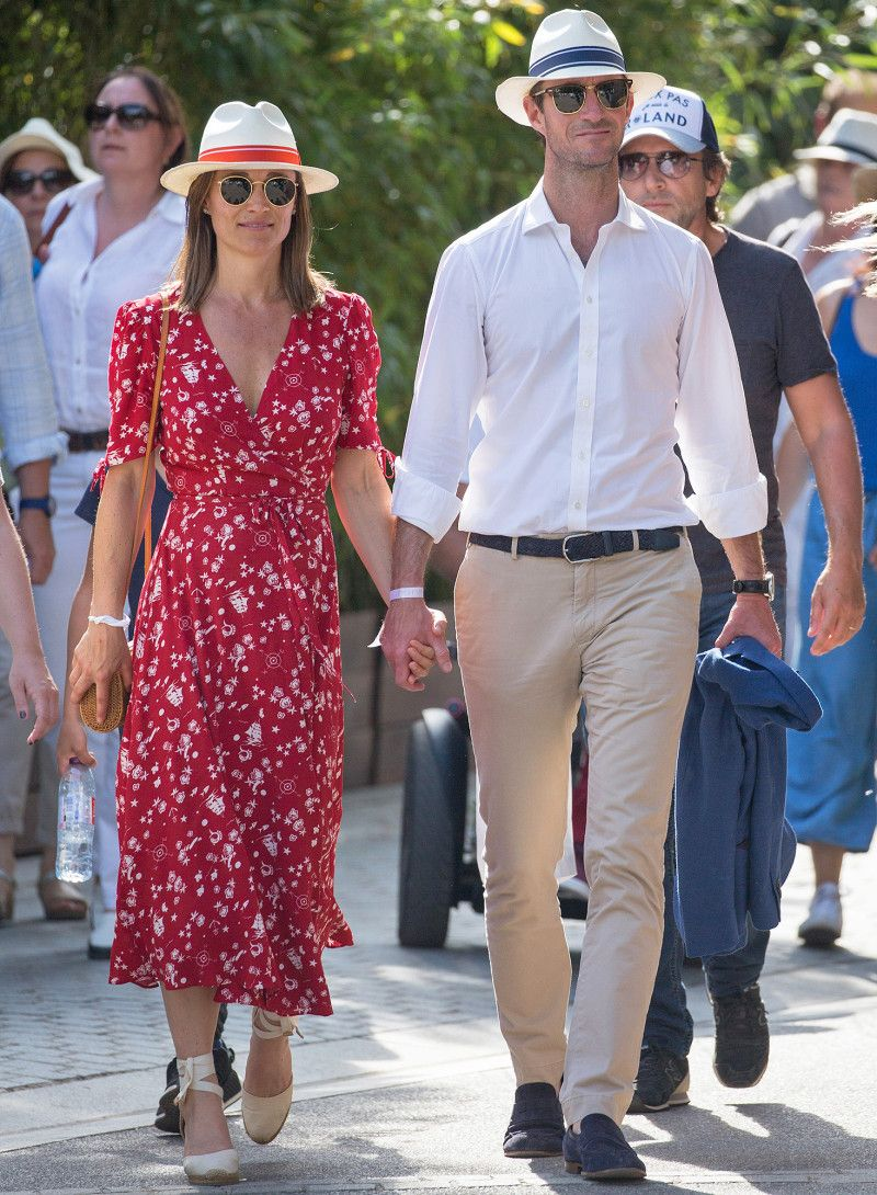 4990c2927 Pregnant Pippa Middleton Shows off Growing Baby Bump at French Open ...
