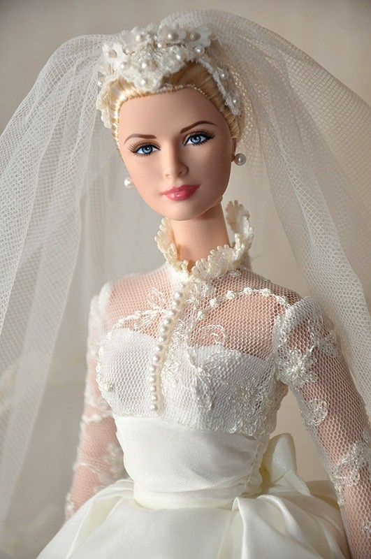 Collectible Barbie Dolls: Become A Barbie Collector : Barbie Signature