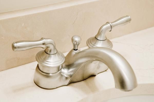 How To Remove Lime Buildup On Faucets With Images Clean Sink
