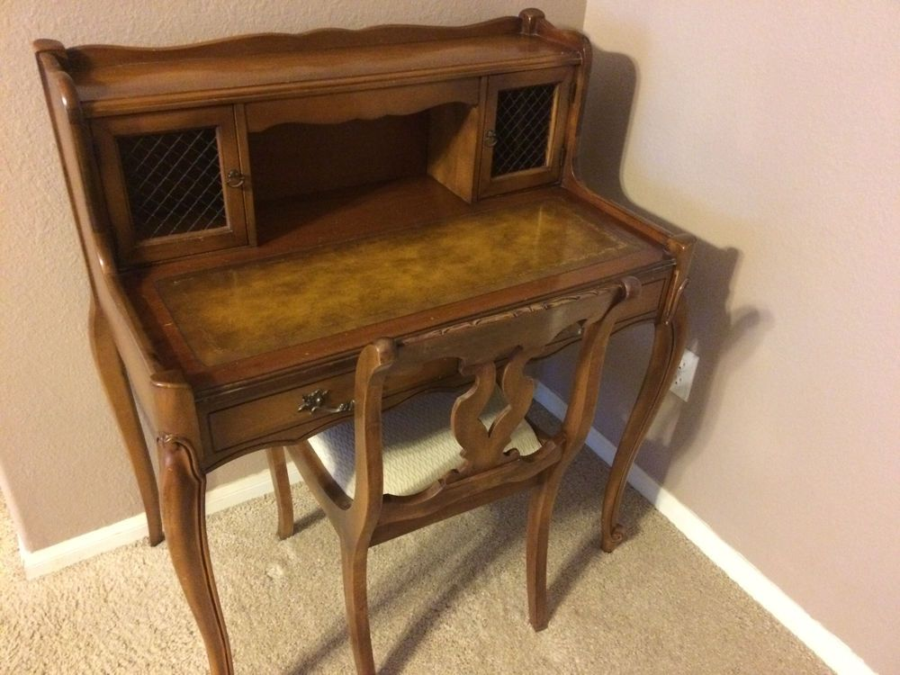 French Provincial Leather Top Writing Desk With Chair Vintage Wood Ladies Desk Ladies Desks Leather Top Writing Desk Desk Chair