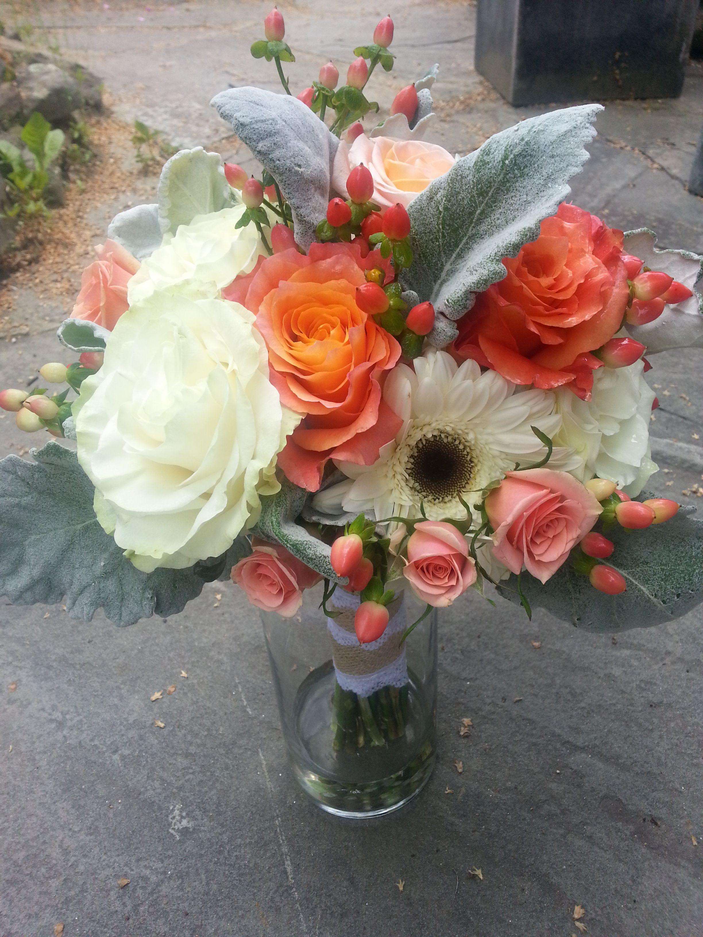 This bridal bouquet of Mondial roses, Free Spirit roses