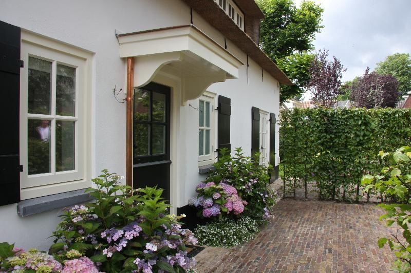 vensterbanken kleurcombinatie tuin witgestucte muren en luiken mooi houses pinterest. Black Bedroom Furniture Sets. Home Design Ideas