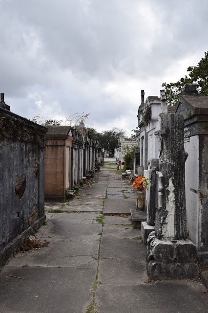 Lafayette Cemetery No. 1, New Orleans Lafayette cemetery