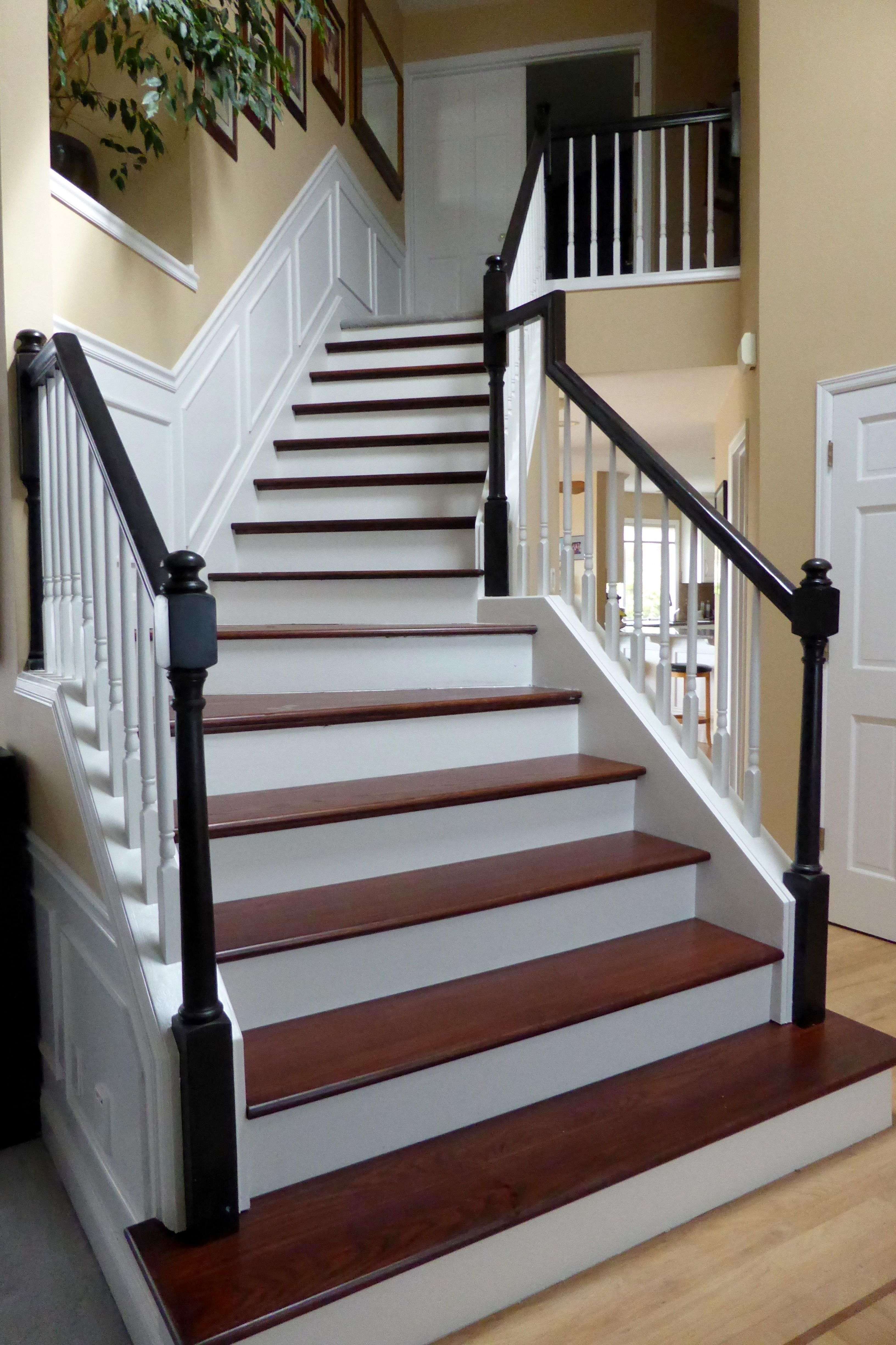 Best Red Oak Stair Tread In 2020 Oak Stairs Stair Treads Stairs 640 x 480
