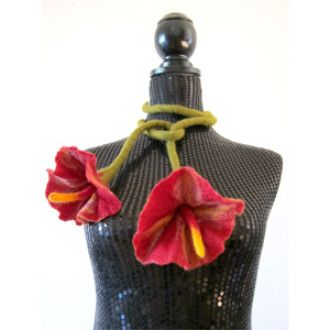 Bloomin' Lovely Felted Flower Lariat Scarf E-Tutorial   Craft Project   YouCanMakeThis.com