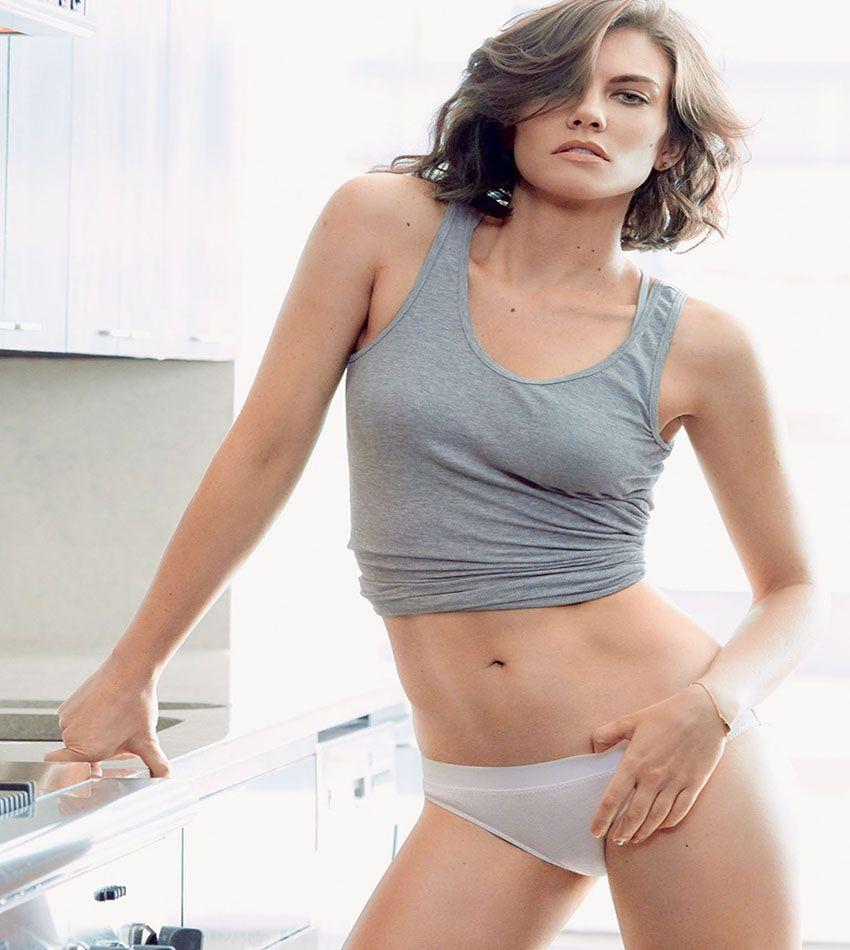 Resultado de imagem para Lauren Cohan lingerie