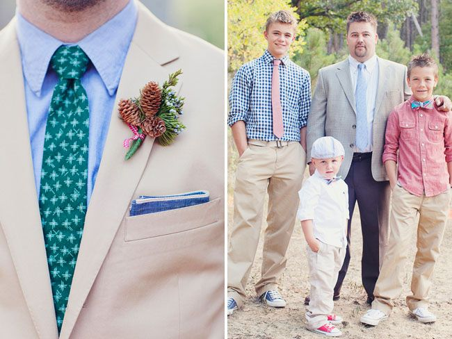 i love those little acorns for the groom and groomsmen. don't look at the picture on the right.