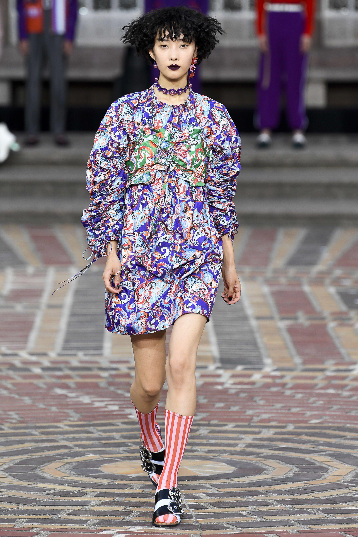f27a60f36 Kenzo Spring 2018 Ready-to-Wear Fashion Show | Runway Perls ...
