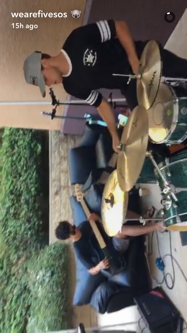 5SOS on Snapchat Five seconds of summer, 5 seconds of