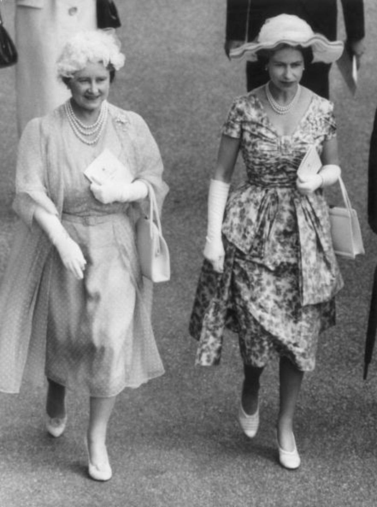We Celebrate Queen Elizabeth's Diamond Jubilee With A Look
