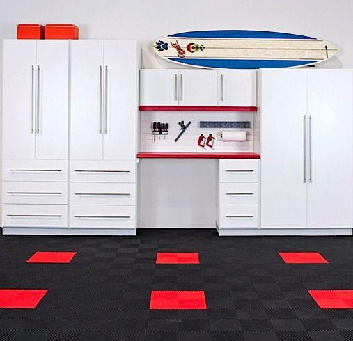 Decouvrez Nos Offres De Rangement Et Armoires De Garage Closets By Design Vous Offre Des Solutions Pour Amener Plus Loin Votre Garage Atelier Etc