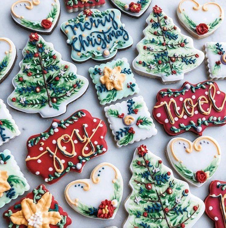 "'𝕋𝕚𝕤 𝕋𝕙𝕖 𝕊𝕖𝕒𝕤𝕠𝕟 𝕋𝕠 𝔹𝕖 𝕁𝕠𝕝𝕝𝕪✨ on Instagram: ""These are gorgeous 😍🎄 • •  #santaclaus #santa #tistheseason #happyholidays #christmas #Christmasdecor #decor #christmasiscoming #lights…"""