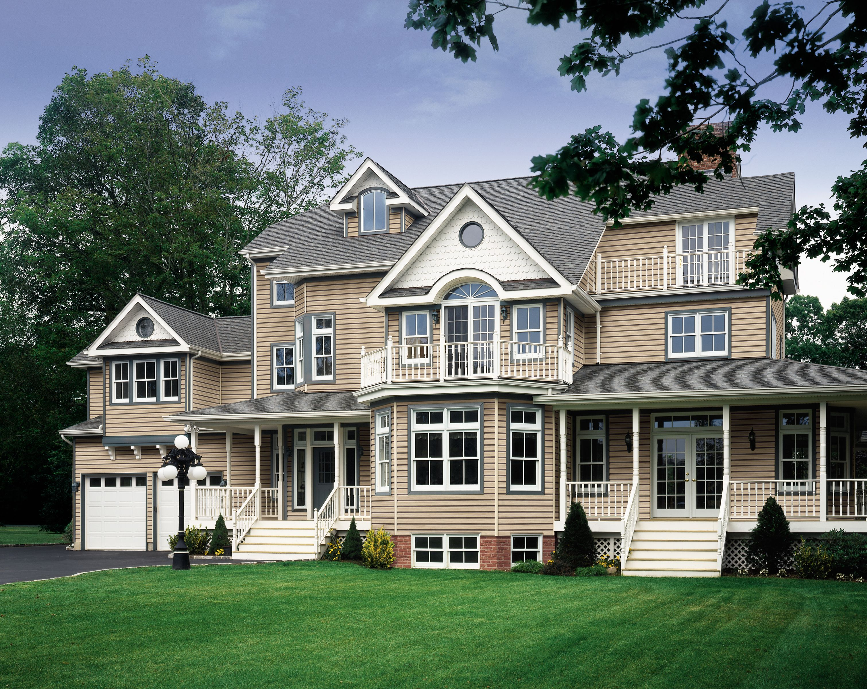 Certainteed Siding Monogram Canyon Blend Colonial
