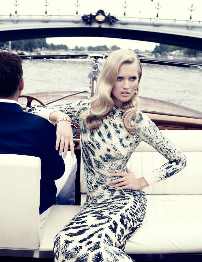 Toni Garrn & Clive Owen by Alexi Lubomirski for Vogue Spain. I can't help myself. I love this animal print.