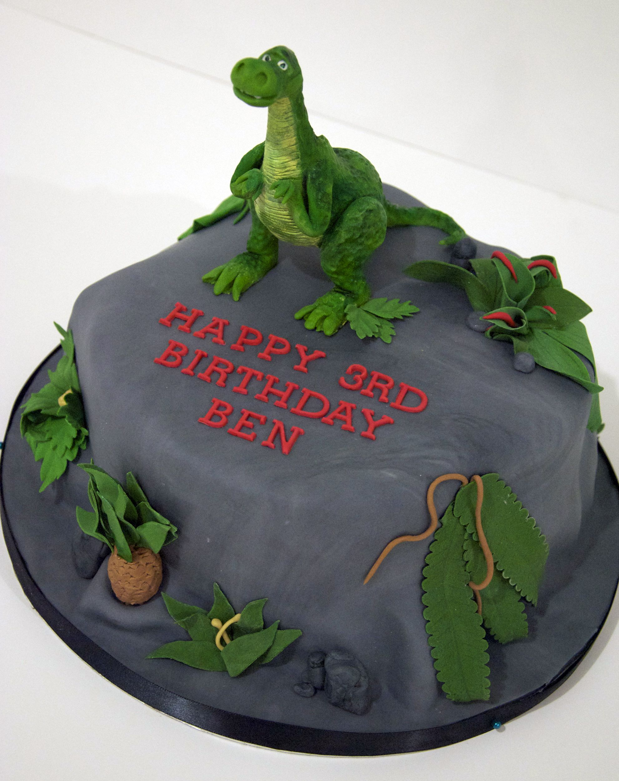 Dinossaur Cake
